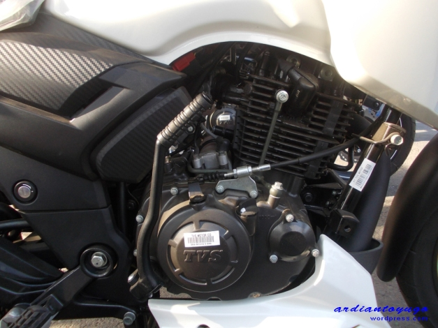 Gambar ilustrasi pakai mesin Apache... :mrgreen: