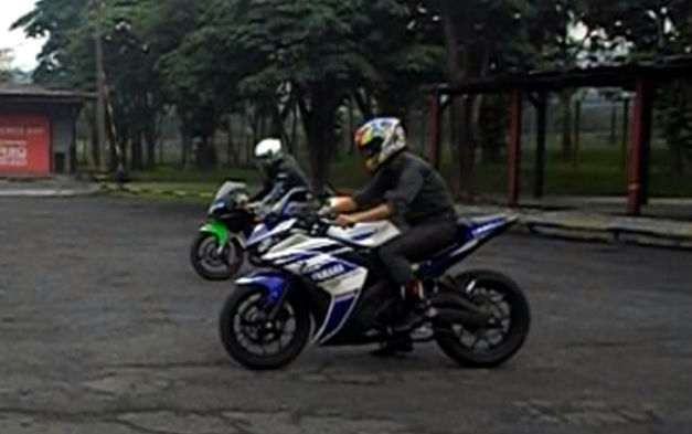 Drag Yamaha R25