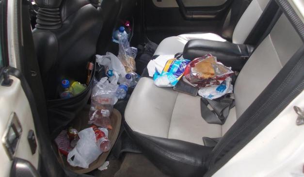 Kondisi di dalam mobil... :mrgreen: