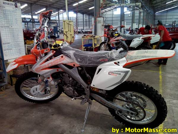 Viar Cross X 250 (1)