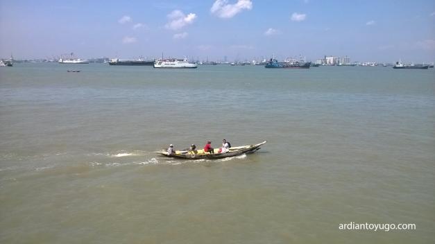 Pelabuhan Kamal Madura