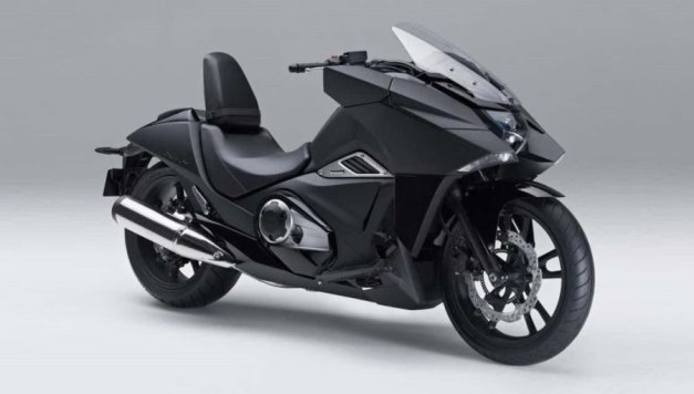 Honda NM4 Vultus (1)