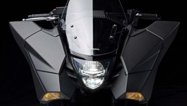 Honda NM4 Vultus (7)
