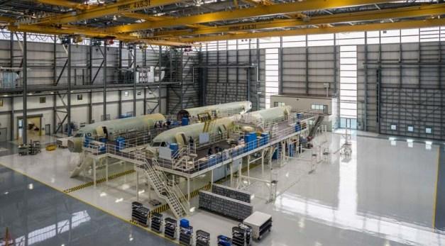 Pabrik pesawat ternyata buersih...