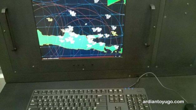 Sepertinya radar petahanan...