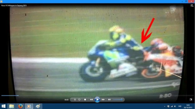 Kaki Rossi ada main...
