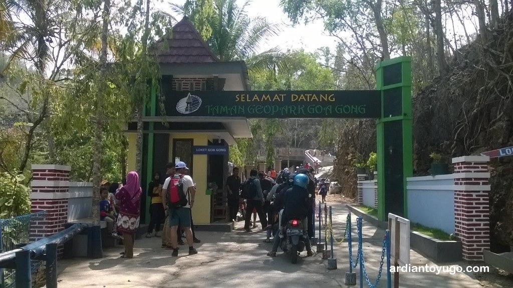 Pesona Wisata Goa Gong Pacitan Jawa Timur Ardiantoyugo
