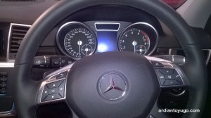 Mercedes Benz ML400 (2)