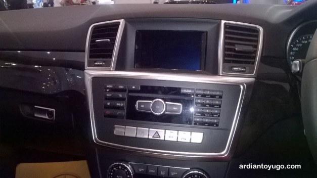 Mercedes Benz ML400 (3)