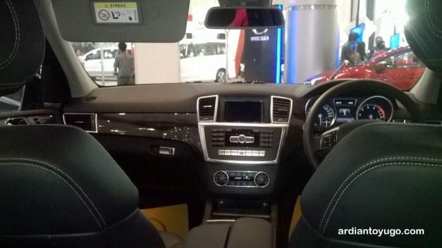 Mercedes-Benz ML400...