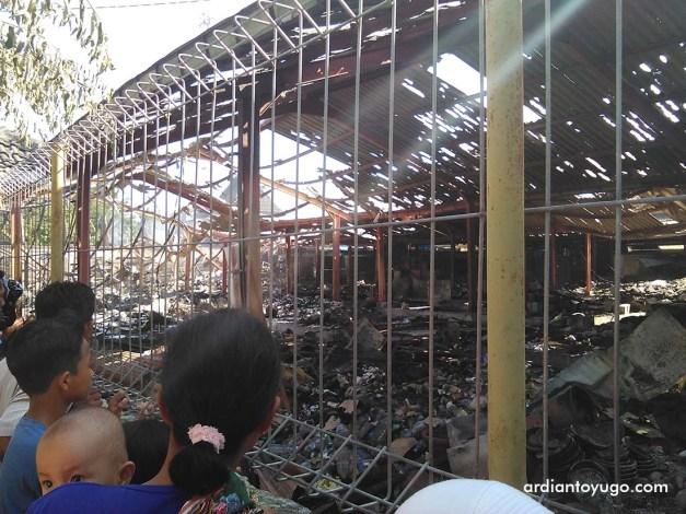 Pasar Bendungan terbakar (5)
