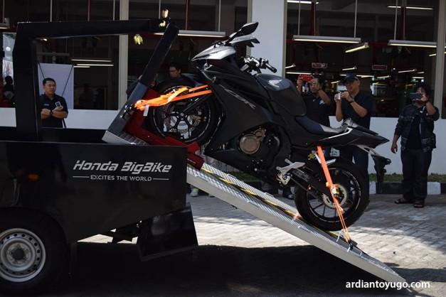 Delivery Honda Big Bike